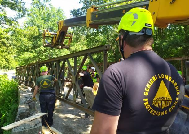 I genieri di Samarate ripristinano un ponte a Pontremoli