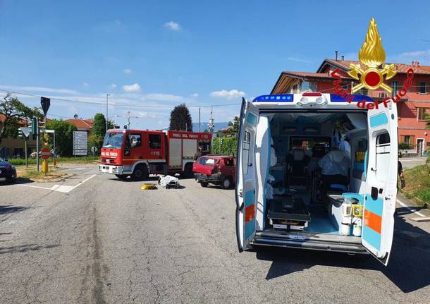incidente stradale a ternate