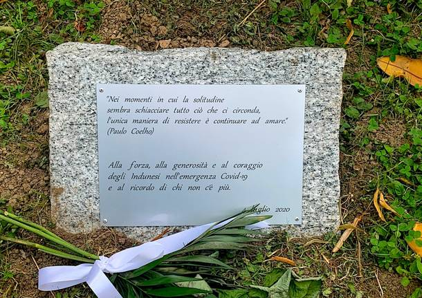 Induno Olona - La cerimonia del ricordo e del ringraziamento per chi ha lottato contro il Covid