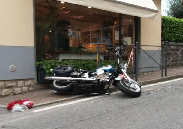 Luvinate – Incidente stradale tra un'auto e una moto sulla provinciale