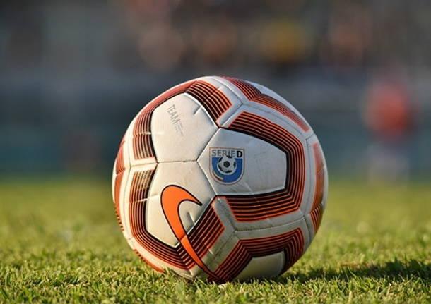 pallone calcio serie d
