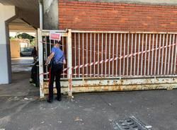 Schiacciata cancello oratorio ferno