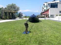 Una balena sul lungolago di Laveo