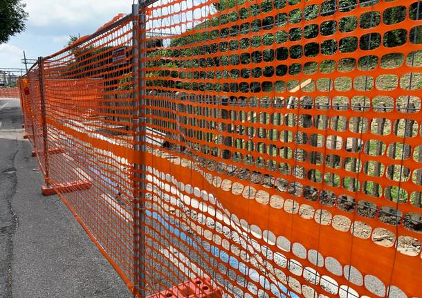 Prende forma il marciapiede di via Del Ponte