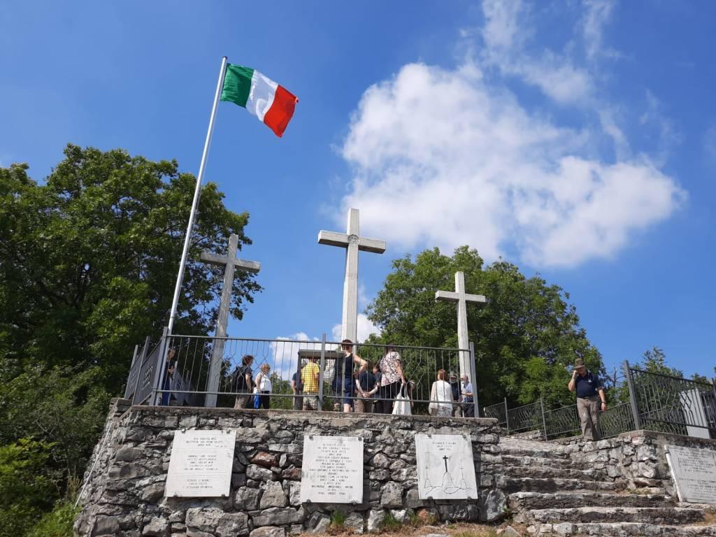 Comincia dall'alzabandiera alle tre croci la festa della montagna 2020