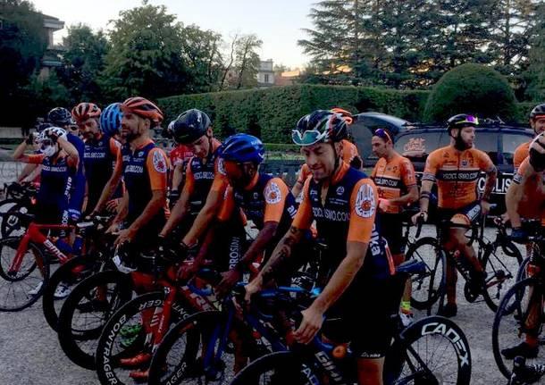 La partenza dei ciclisti per Lourdes