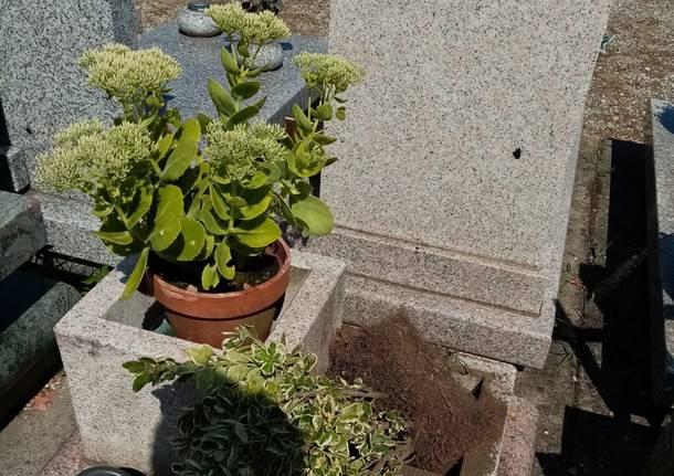 rame rubato al cimitero di sesto calende