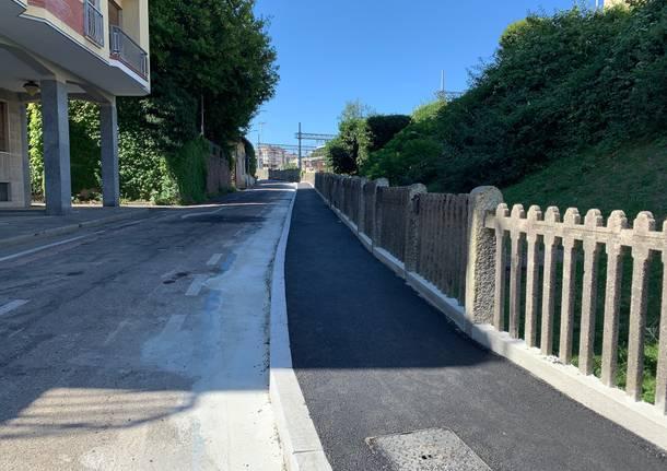 Via Del Ponte a Varese ora ha un marciapiede