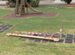 Danni al parco giochi di gurone