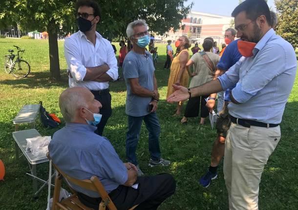 Don Gino Rigoldi e Marco Fichera al parco Falcone Borsellino di Legnano