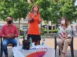 Elezioni a Parabiago, il ministro Bonetti in piazza per Eleonora Pradal