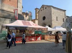 Fiera e Mercatino riempiono i dintorni di piazza Monte Grappa