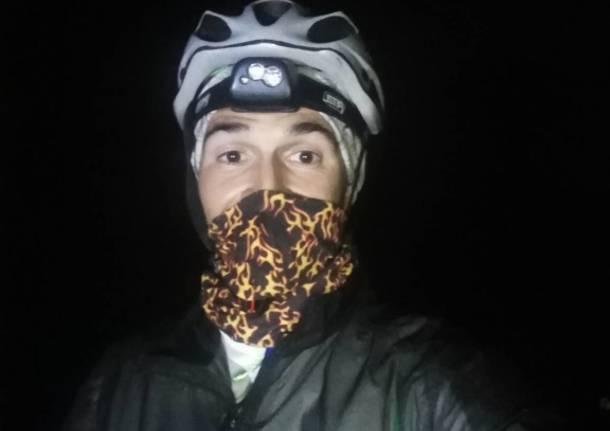 In bici dal Sempione al passo dello Stelvio, pedalando per 24 ore