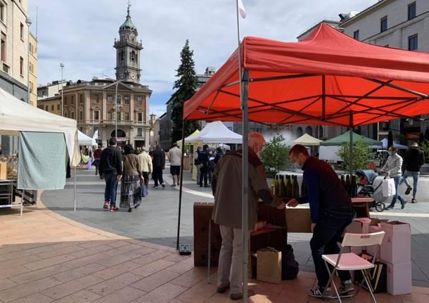 In piazza Monte Grappa a Varese il Mercato dei Mercati