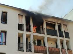 Incendio in un appartamento di via Magenta