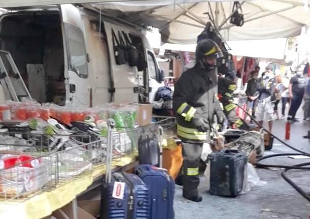 incendio mercato di Varese