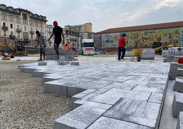 Piazza Repubblica, ecco la nuova pavimentazione per il Mercato di Varese