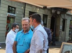 Movimento 5 Stelle in piazza a Saronno con Roberto Cenci e Longinotti