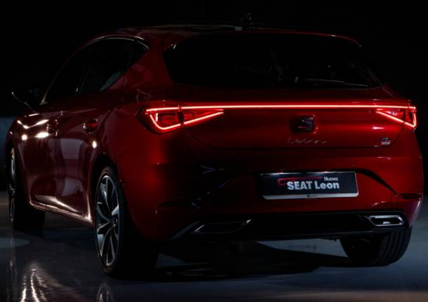 Nuova SEAT Leon, disegnata dalla luce