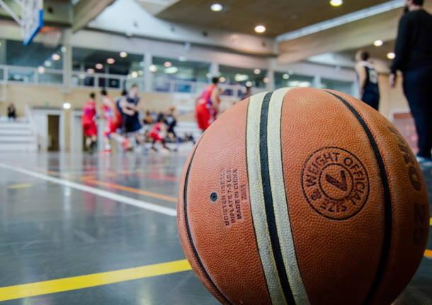 pallone basket uisp varese