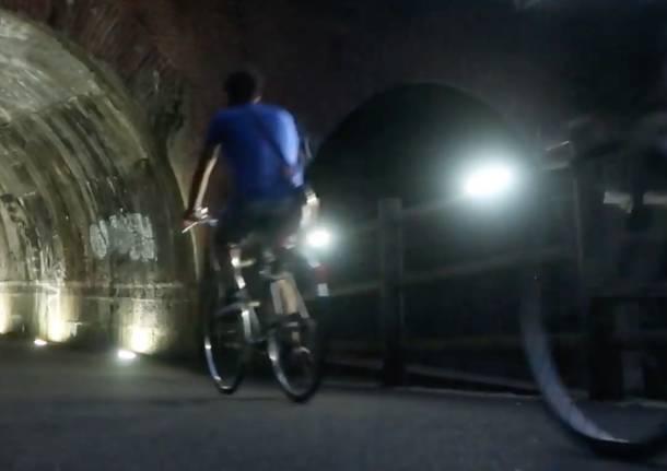 RiParabiago chiude la campagna elettorale illuminando l'alzaia del Villoresi