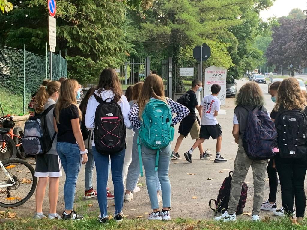 Ritorno a scuola nel quartiere di Masnago