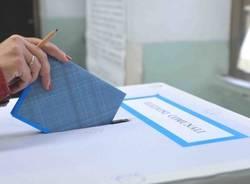voto urna elezioni comunali