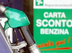 La farsa dello sconto benzina