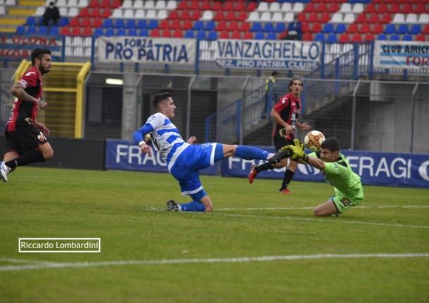 Calcio, Pro Patria - Lucchese