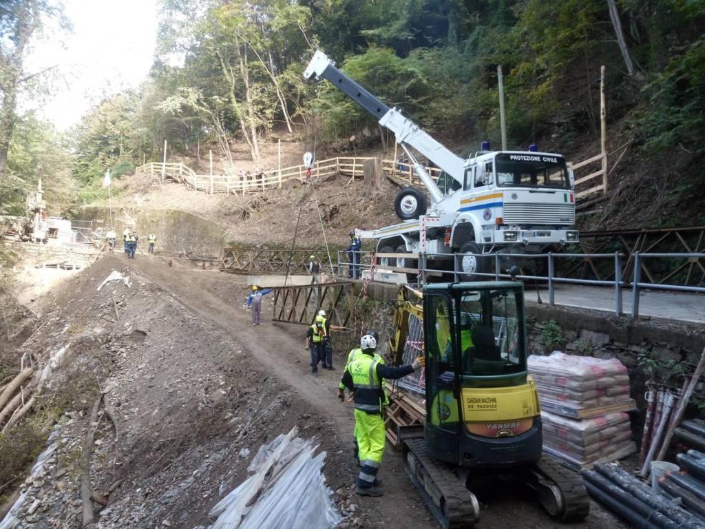 La posa del nuovo ponte a Curiglia