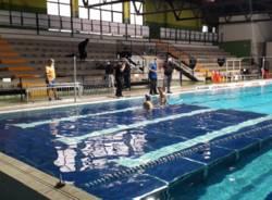 Piattaforma amovibile alla piscina di Legnano