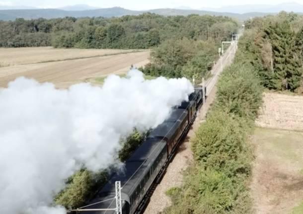 Da Milano a Laveno: il treno a vapore ha attraversato la provincia