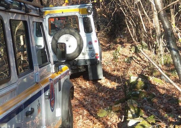 Valcuvia: protezione civile in azione per liberare i sentieri