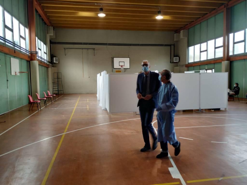 Saronno, parte la campagna vaccinale antinfluenzale alla Pizzigoni