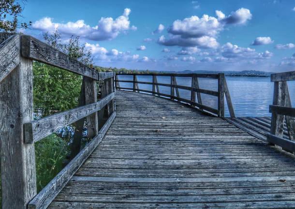 Un ponte verso il cielo. Gavirate foto di Nadia Rossi