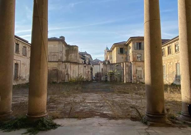 Saronno, la giunta e i tecnici in visita a Palazzo Visconti