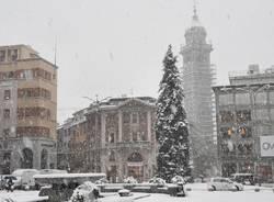 La neve a Varese, da piazza Monte Grappa al Sacro Monte
