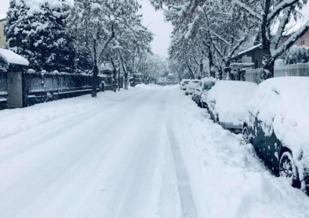 La neve imbianca i Comuni del Saronnese