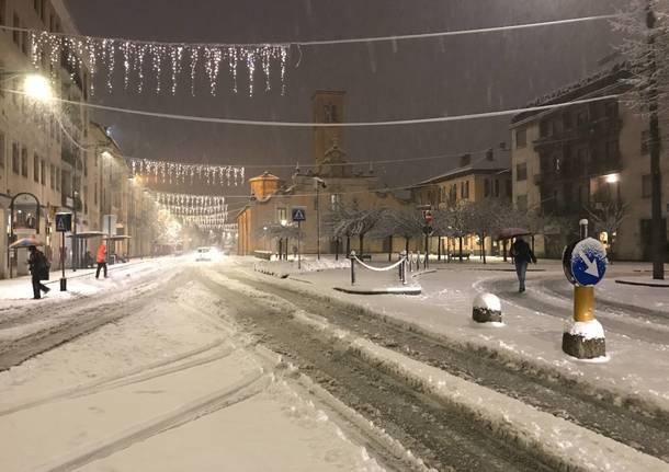 Le immagini di Saronno sotto la neve