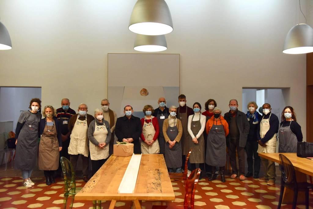 Monsignor Delpini al Refettorio Ambrosiano