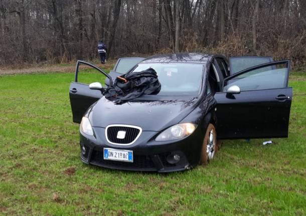 Uboldo, inseguiti dalla Locale nei campi, fuggono quattro spacciatori abbandonando auto e fucile