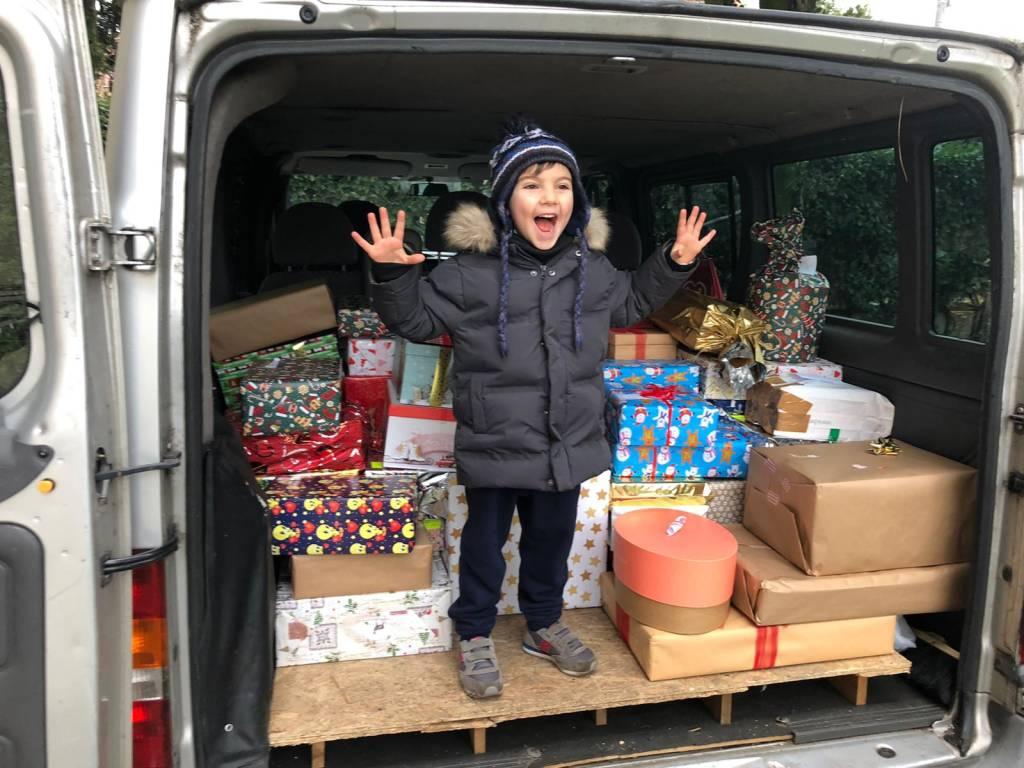 """1500 """"scatole di Natale"""" a Gallarate"""