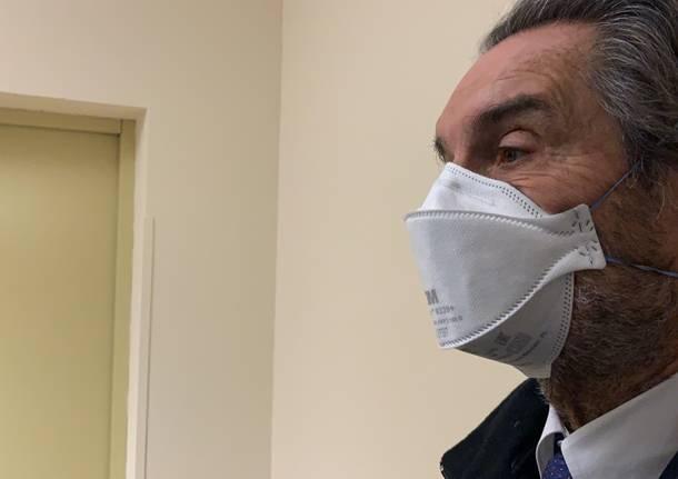 Attilio Fontana con mascherina