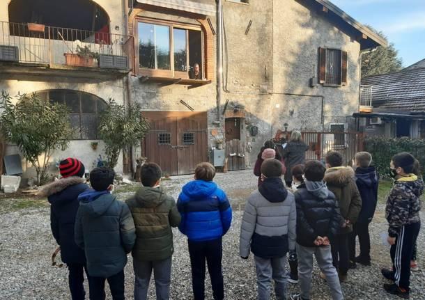 I bambini portano la poesia nelle strade di Cazzago