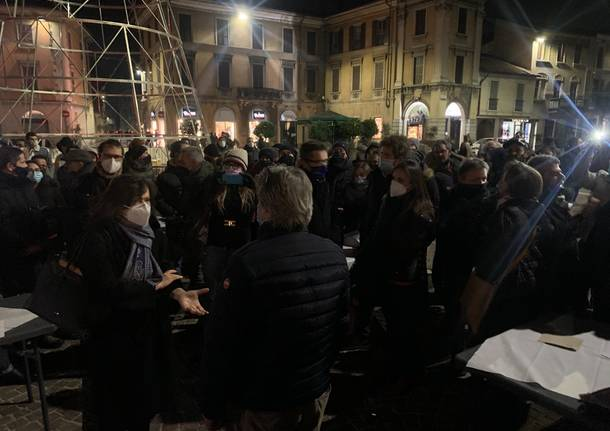 Protesta bar ristoranti Gallarate