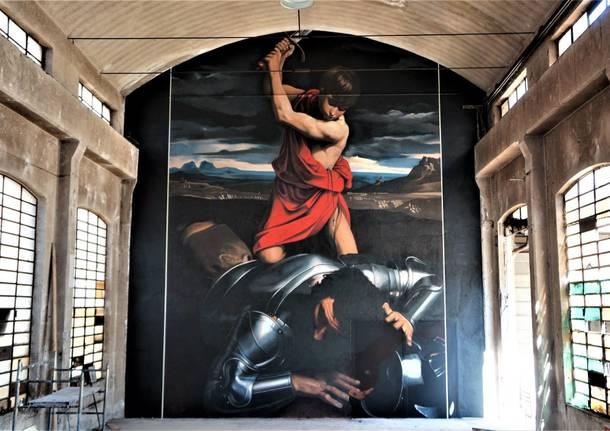 """In una fabbrica abbandonata il nuovo murales """"segreto"""" di Andrea Ravo Mattoni"""