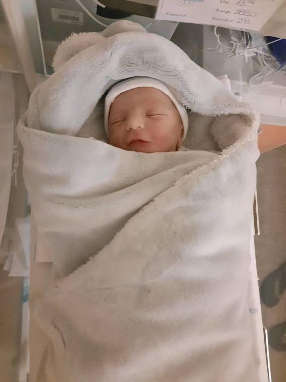 È nato Enea, il figlio di Elia Luini e Francesca