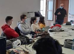 """Il sindaco Cucchi """"professore"""" per un giorno all'Istituto Maggiolini"""
