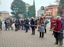 In piazza per difendere l'ospedale di Saronno
