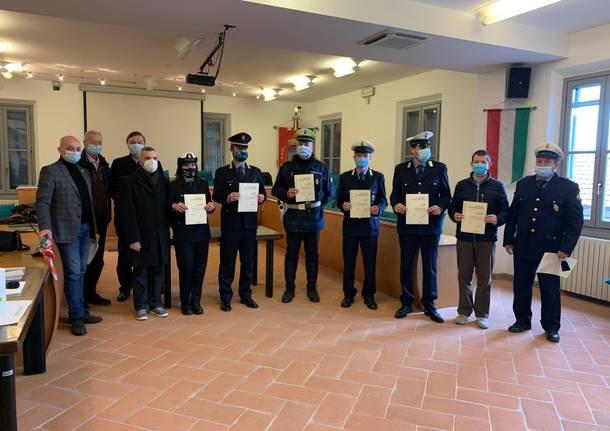 premiazione agenti polizia locale unione ferno lonate pozzolo